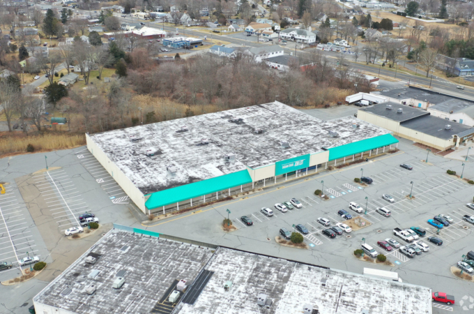 Exclusive – Shoppes at Old Saybrook